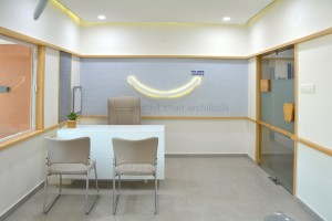 dental clinic @ sardarnagar main road prarthit shah architects rajkot