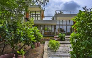 Villa Aaranyak - A weekend Retreat Near Rajkot Prarthit Shah Architects