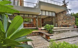 Villa Aaranyak - A weekend Retreat Near Rajkot Prarthit Shah Architects